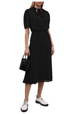 Женское платье PRADA черного цвета, арт. P3G00-1ZZR-F0002-212 | Фото 2 (Материал внешний: Вискоза; Стили: Гламурный; Женское Кросс-КТ: Платье-одежда; Рукава: Короткие; Длина Ж (юбки, платья, шорты): До колена)