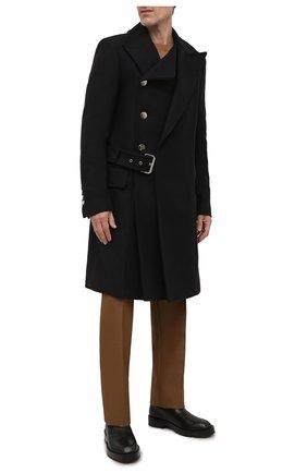 Мужской шерстяное пальто BALMAIN темно-синего цвета, арт. WH0UC050/W115 | Фото 2 (Материал внешний: Шерсть; Рукава: Длинные; Материал подклада: Синтетический материал; Длина (верхняя одежда): До колена; Мужское Кросс-КТ: пальто-верхняя одежда; Стили: Кэжуэл)