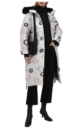 Женская утепленная куртка GIORGIO ARMANI белого цвета, арт. 1WH0C06R/T031F   Фото 2 (Длина (верхняя одежда): До колена; Рукава: Длинные; Материал подклада: Синтетический материал; Материал внешний: Синтетический материал; Стили: Спорт-шик; Женское Кросс-КТ: Пуховик-куртка)