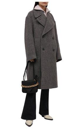 Женское шерстяное пальто DRIES VAN NOTEN серого цвета, арт. 212-010219-3322   Фото 2 (Длина (верхняя одежда): Длинные; Материал внешний: Шерсть; Рукава: Длинные; Стили: Гламурный; 1-2-бортные: Двубортные)