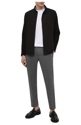 Мужская хлопковая рубашка TRANSIT черного цвета, арт. CFUTRPW320 | Фото 2 (Материал внешний: Хлопок; Мужское Кросс-КТ: Рубашка-одежда; Принт: Однотонные; Манжеты: Без застежки; Рукава: Длинные; Случай: Повседневный; Воротник: Button down)