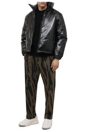 Мужская утепленная куртка ACNE STUDIOS черного цвета, арт. C90066/M   Фото 2 (Материал внешний: Синтетический материал; Длина (верхняя одежда): Короткие; Рукава: Длинные; Материал подклада: Синтетический материал; Кросс-КТ: Куртка; Мужское Кросс-КТ: утепленные куртки; Стили: Гранж)