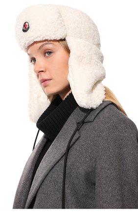 Женская пуховая шапка-ушанка MONCLER белого цвета, арт. G2-093-3B000-49-54AM6 | Фото 2 (Материал: Синтетический материал, Текстиль)