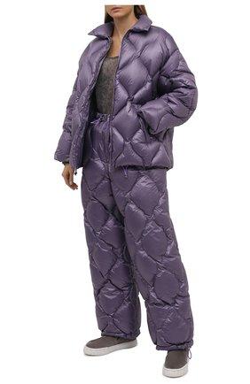 Женская куртка MIU MIU фиолетового цвета, арт. ML778-1ZQW-F0374   Фото 2 (Материал внешний: Синтетический материал; Длина (верхняя одежда): Короткие; Рукава: Длинные; Кросс-КТ: Куртка; Стили: Спорт-шик)