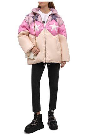 Женская куртка MIU MIU бежевого цвета, арт. ML779-1ZQX-F0770   Фото 2 (Материал внешний: Синтетический материал; Длина (верхняя одежда): До середины бедра; Рукава: Длинные; Кросс-КТ: Куртка; Стили: Романтичный)