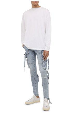 Мужские джинсы AMIRI голубого цвета, арт. MDR004-489   Фото 2 (Длина (брюки, джинсы): Стандартные; Материал внешний: Хлопок; Кросс-КТ: Деним; Силуэт М (брюки): Узкие; Детали: Потертости; Стили: Гранж)