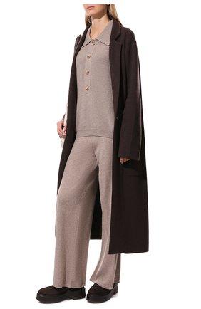 Женские кашемировые брюки LISA YANG бежевого цвета, арт. 202143   Фото 2 (Материал внешний: Шерсть, Кашемир; Стили: Кэжуэл; Кросс-КТ: Трикотаж; Длина (брюки, джинсы): Удлиненные, Стандартные; Силуэт Ж (брюки и джинсы): Широкие)