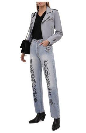 Женские джинсы VETEMENTS голубого цвета, арт. WA52PA700B 2803/W   Фото 2 (Длина (брюки, джинсы): Стандартные; Материал внешний: Хлопок; Стили: Кэжуэл; Кросс-КТ: Деним; Силуэт Ж (брюки и джинсы): Прямые)