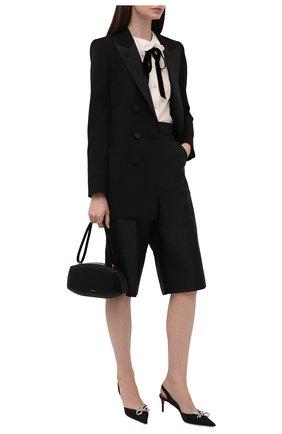 Женские шорты-бермуды LOW CLASSIC черного цвета, арт. L0W21FW_PT13BK   Фото 2 (Длина Ж (юбки, платья, шорты): Миди; Материал внешний: Синтетический материал; Стили: Классический; Кросс-КТ: Широкие; Женское Кросс-КТ: Шорты-одежда)