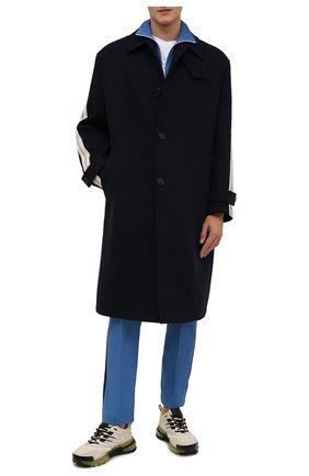 Мужской пальто PALM ANGELS темно-синего цвета, арт. PMEA180F21FAB0011045 | Фото 2 (Материал внешний: Шерсть; Материал подклада: Вискоза; Длина (верхняя одежда): До колена; Рукава: Длинные; Мужское Кросс-КТ: пальто-верхняя одежда; Случай: Повседневный; Стили: Спорт-шик)