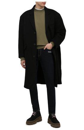 Мужские джинсы OFF-WHITE темно-синего цвета, арт. 0MYA074F21DEN005   Фото 2 (Длина (брюки, джинсы): Стандартные; Материал внешний: Хлопок; Кросс-КТ: Деним; Стили: Гранж; Силуэт М (брюки): Прямые)