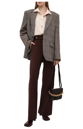 Женские брюки CHLOÉ фиолетового цвета, арт. CHC21WPA06068   Фото 2 (Материал внешний: Шерсть; Женское Кросс-КТ: Брюки-одежда; Длина (брюки, джинсы): Стандартные, Удлиненные; Силуэт Ж (брюки и джинсы): Широкие; Стили: Классический)
