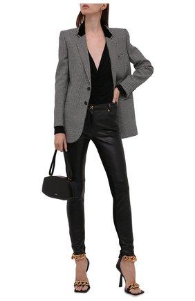 Женские кожаные брюки VERSACE черного цвета, арт. 1000991/1A00677   Фото 2 (Длина (брюки, джинсы): Стандартные; Стили: Гламурный; Женское Кросс-КТ: Брюки-одежда; Силуэт Ж (брюки и джинсы): Узкие)