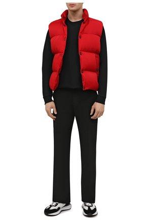 Мужской пуховый жилет KNT красного цвета, арт. UGKN012X0236A   Фото 2 (Материал внешний: Синтетический материал; Материал подклада: Синтетический материал; Длина (верхняя одежда): Короткие; Материал утеплителя: Пух и перо; Кросс-КТ: Куртка, Пуховик; Стили: Кэжуэл)