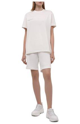 Мужского хлопковые шорты PANGAIA белого цвета, арт. 21FSU11B-111-FEM002   Фото 2 (Стили: Спорт-шик)