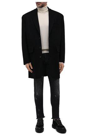 Мужские джинсы KITON темно-серого цвета, арт. UPNJS/J0357A   Фото 2 (Длина (брюки, джинсы): Стандартные; Материал внешний: Хлопок; Силуэт М (брюки): Прямые; Детали: Потертости; Кросс-КТ: Деним; Стили: Кэжуэл)