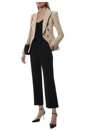Женские шерстяные брюки VERSACE черного цвета, арт. 1001729/1A01798   Фото 2 (Материал внешний: Шерсть; Длина (брюки, джинсы): Стандартные; Стили: Кэжуэл; Женское Кросс-КТ: Брюки-одежда; Силуэт Ж (брюки и джинсы): Прямые)