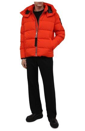 Мужская пуховая куртка MOOSE KNUCKLES оранжевого цвета, арт. M31MJ148 | Фото 2 (Рукава: Длинные; Материал внешний: Синтетический материал; Материал подклада: Синтетический материал; Длина (верхняя одежда): Короткие; Материал утеплителя: Пух и перо; Мужское Кросс-КТ: пуховик-короткий; Кросс-КТ: Куртка; Стили: Спорт-шик)