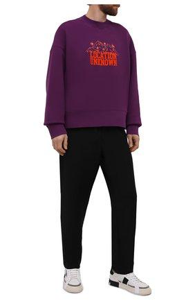 Мужской хлопковый свитшот PALM ANGELS фиолетового цвета, арт. PMBA026F21FLE0033720   Фото 2 (Рукава: Длинные; Материал внешний: Хлопок; Длина (для топов): Стандартные; Мужское Кросс-КТ: свитшот-одежда; Принт: С принтом; Стили: Спорт-шик)
