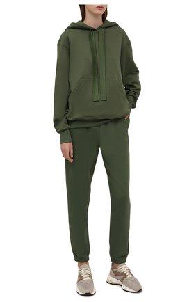 Женский хлопковый костюм I.D. SARRIERI темно-зеленого цвета, арт. A7556-A7572 | Фото 1 (Рукава: Длинные; Материал внешний: Хлопок; Длина (для топов): Стандартные; Длина (брюки, джинсы): Стандартные; Кросс-КТ: Трикотаж; Стили: Спорт-шик)