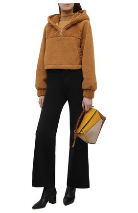Женская анорак VEGANCODE светло-коричневого цвета, арт. BJ18100   Фото 2 (Материал подклада: Синтетический материал; Рукава: Длинные; Длина (верхняя одежда): Короткие; Материал внешний: Синтетический материал; Кросс-КТ: Куртка; Стили: Кэжуэл)