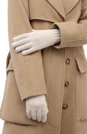 Женские кашемировые перчатки LORO PIANA кремвого цвета, арт. FAL9137 | Фото 2 (Материал: Кашемир, Шерсть)