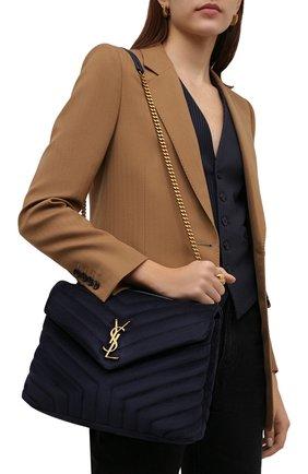 Женская сумка monogram loulou medium SAINT LAURENT темно-синего цвета, арт. 574946/1U867 | Фото 2 (Материал: Натуральная кожа, Натуральная замша; Размер: medium; Сумки-технические: Сумки через плечо; Ремень/цепочка: На ремешке)