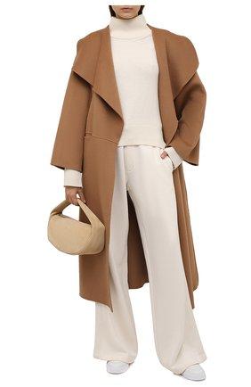 Женские хлопковые брюки RALPH LAUREN кремвого цвета, арт. 290845529 | Фото 2 (Длина (брюки, джинсы): Удлиненные; Материал внешний: Хлопок; Стили: Кэжуэл; Женское Кросс-КТ: Брюки-одежда; Кросс-КТ: Трикотаж; Силуэт Ж (брюки и джинсы): Расклешенные)