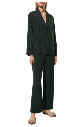 Женская пижама из вискозы SIMONEPERELE темно-зеленого цвета, арт. 18S957-18S660   Фото 2 (Длина (брюки, джинсы): Стандартные; Материал внешний: Вискоза; Длина Ж (юбки, платья, шорты): Мини; Длина (для топов): Стандартные)