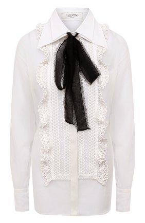 Женская шелковая блузка VALENTINO белого цвета, арт. WB0AB3051C8   Фото 1 (Материал внешний: Шелк; Длина (для топов): Удлиненные; Рукава: Длинные; Женское Кросс-КТ: Блуза-одежда; Стили: Бохо)