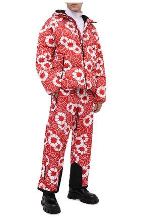 Мужская утепленная куртка PRADA LINEA ROSSA красного цвета, арт. SGC025-10UU-F0976-212   Фото 2 (Материал внешний: Синтетический материал; Кросс-КТ: Куртка, другое; Мужское Кросс-КТ: пуховик-короткий; Стили: Спорт-шик; Длина (верхняя одежда): Короткие)