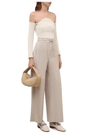 Женские замшевые брюки BRUNELLO CUCINELLI светло-бежевого цвета, арт. M0W30P7698 | Фото 2 (Длина (брюки, джинсы): Стандартные; Стили: Кэжуэл; Женское Кросс-КТ: Брюки-одежда; Силуэт Ж (брюки и джинсы): Широкие)
