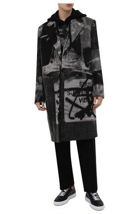 Мужской шерстяное пальто OFF-WHITE темно-серого цвета, арт. 0MER031F21FAB001 | Фото 2 (Длина (верхняя одежда): До колена; Рукава: Длинные; Материал внешний: Шерсть; Материал подклада: Вискоза; Мужское Кросс-КТ: пальто-верхняя одежда; Стили: Гранж)