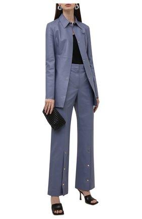 Женская кожаная рубашка OFF-WHITE голубого цвета, арт. 0WJE006F21LEA001 | Фото 2 (Рукава: Длинные; Длина (для топов): Удлиненные; Стили: Гламурный; Принт: Без принта; Женское Кросс-КТ: Рубашка-одежда)
