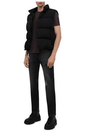 Мужские джинсы KITON темно-серого цвета, арт. UPNJS/J0357A   Фото 2 (Материал внешний: Хлопок; Кросс-КТ: Деним; Силуэт М (брюки): Прямые; Детали: Потертости; Стили: Гранж; Длина (брюки, джинсы): Стандартные)