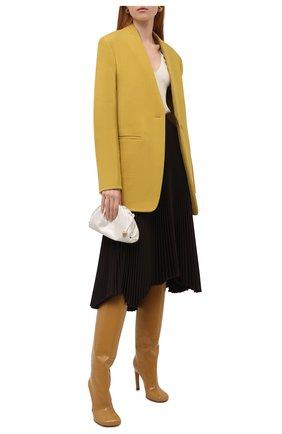 Женские кожаные ботфорты DRIES VAN NOTEN бежевого цвета, арт. WW212/212/H100/QU117 | Фото 2 (Каблук высота: Высокий; Материал внутренний: Натуральная кожа; Подошва: Плоская; Высота голенища: Высокие; Каблук тип: Шпилька)