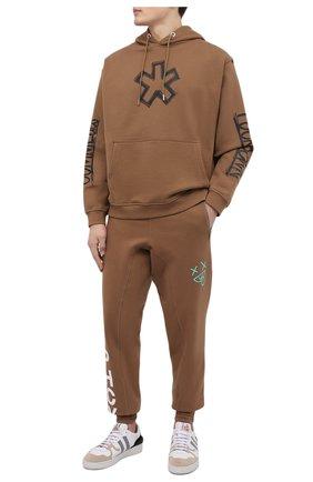 Мужские джоггеры PHARMACY INDUSTRY светло-коричневого цвета, арт. PHMSP321 | Фото 2 (Материал внешний: Синтетический материал, Хлопок; Длина (брюки, джинсы): Стандартные; Мужское Кросс-КТ: Брюки-трикотаж; Силуэт М (брюки): Джоггеры; Стили: Спорт-шик)