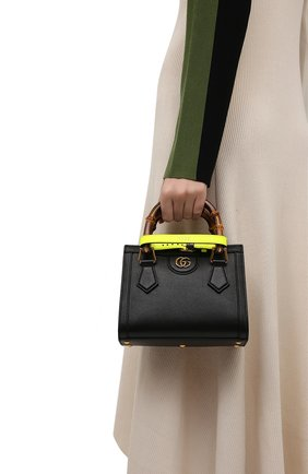Женская сумка diana mini GUCCI черного цвета, арт. 655661/17QDT | Фото 2 (Размер: mini; Ремень/цепочка: На ремешке; Материал: Натуральная кожа; Сумки-технические: Сумки top-handle, Сумки через плечо)