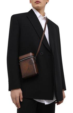 Мужская кожаная сумка-мессенджер BERLUTI темно-коричневого цвета, арт. M230794 | Фото 2 (Ремень/цепочка: На ремешке; Материал: Натуральная кожа)