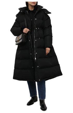Женский пуховик ALEXANDER MCQUEEN черного цвета, арт. 672760/QZAD1 | Фото 2 (Рукава: Длинные; Материал подклада: Синтетический материал; Длина (верхняя одежда): Длинные; Материал внешний: Синтетический материал; Стили: Спорт-шик; Кросс-КТ: Куртка, Пуховик)