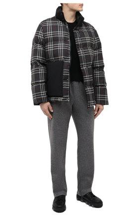 Мужская пуховая куртка BURBERRY темно-серого цвета, арт. 8045499   Фото 2 (Длина (верхняя одежда): Короткие; Материал подклада: Синтетический материал; Материал утеплителя: Пух и перо; Рукава: Длинные; Материал внешний: Шерсть; Мужское Кросс-КТ: шерсть и кашемир, пуховик-короткий; Кросс-КТ: Куртка; Стили: Кэжуэл)