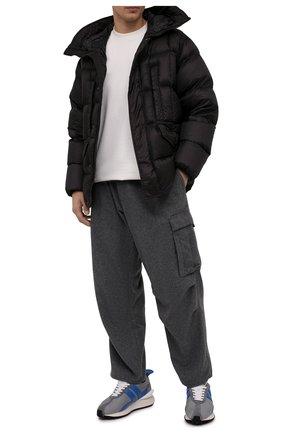 Мужская пуховая куртка C.P. COMPANY черного цвета, арт. 11CM0W012A-006099A   Фото 2 (Материал внешний: Синтетический материал; Материал подклада: Синтетический материал; Материал утеплителя: Пух и перо; Длина (верхняя одежда): Короткие; Мужское Кросс-КТ: пуховик-короткий; Кросс-КТ: Куртка; Рукава: Длинные; Стили: Гранж)