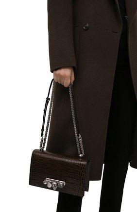 Женская сумка jewelled satchel ALEXANDER MCQUEEN хаки цвета, арт. 554128/1HB02 | Фото 2 (Материал: Натуральная кожа; Сумки-технические: Сумки через плечо; Размер: small; Ремень/цепочка: На ремешке)