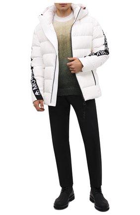 Мужская пуховая куртка naufrage MOOSE KNUCKLES белого цвета, арт. M31MJ153   Фото 2 (Рукава: Длинные; Длина (верхняя одежда): Короткие; Материал подклада: Синтетический материал; Материал утеплителя: Пух и перо; Материал внешний: Синтетический материал; Кросс-КТ: Куртка; Мужское Кросс-КТ: пуховик-короткий; Стили: Спорт-шик)