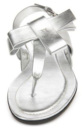 Сандалии из металлизированной кожи с бантом Tod's серебряные | Фото №4