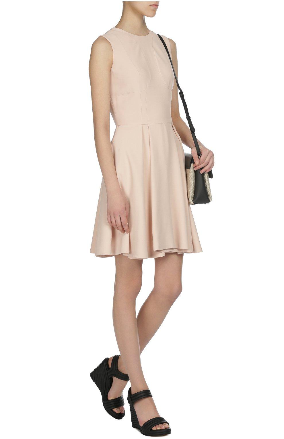 Приталенное платье без рукавов   Фото №4