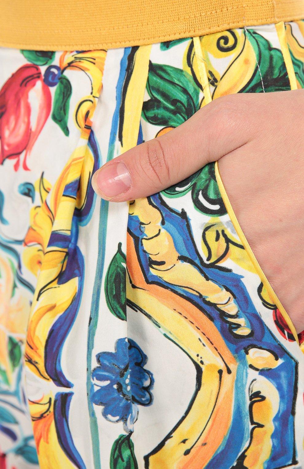 Мини-шорты с ярким принтом и завышенной талией | Фото №5