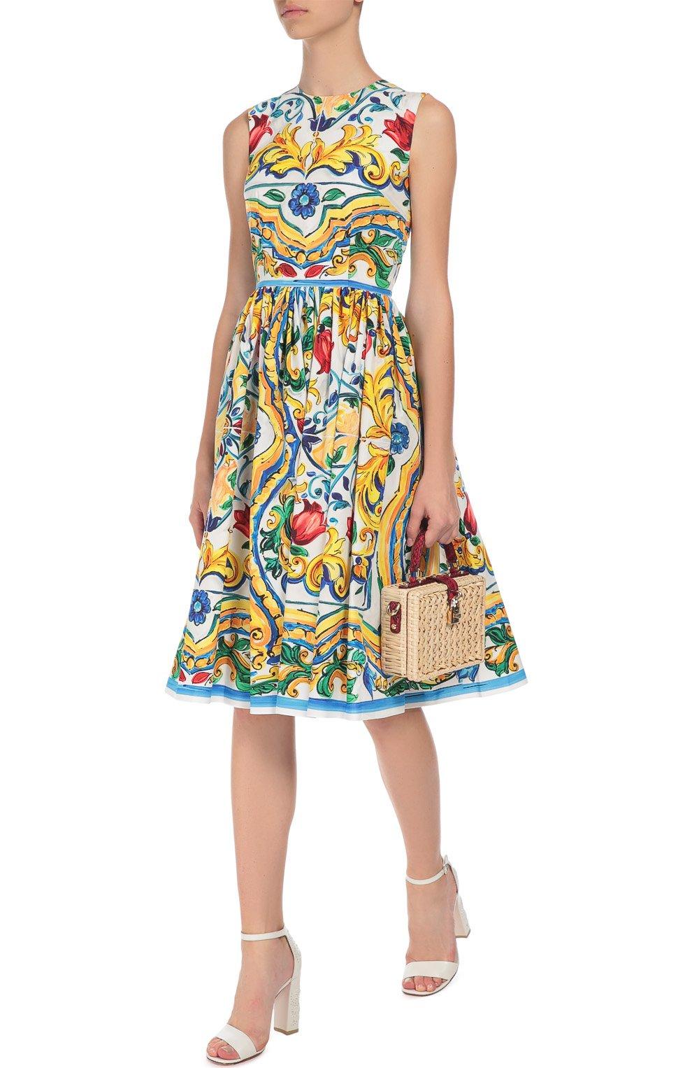 Приталенное платье без рукавов с цветочным принтом Dolce & Gabbana разноцветное | Фото №2