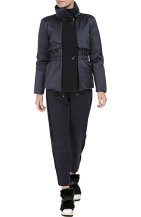 Утепленная приталенная куртка с высоким воротником | Фото №2