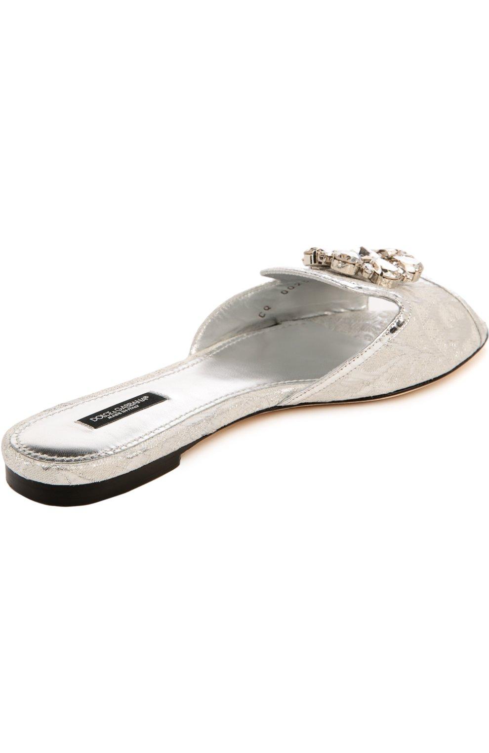 Кружевные шлепанцы Bianca с брошью Dolce & Gabbana серебряные | Фото №4